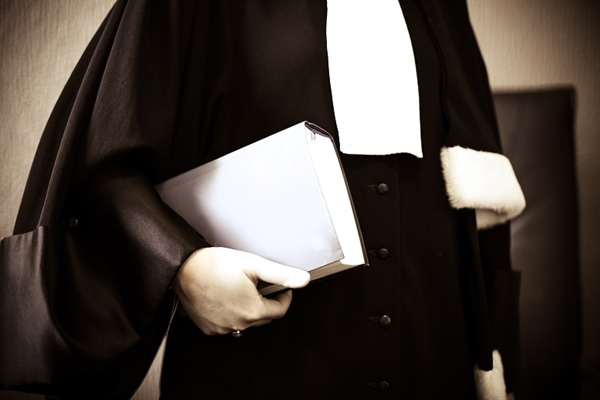 Lawyer disbarred for duping client into handing over $25,000